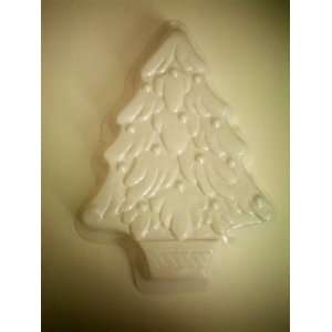 Christmas Tree Cake Pan    White Plastic    use Wilton
