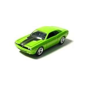 Greenlight MCG Stock & Custom   2006 Dodge Challenger